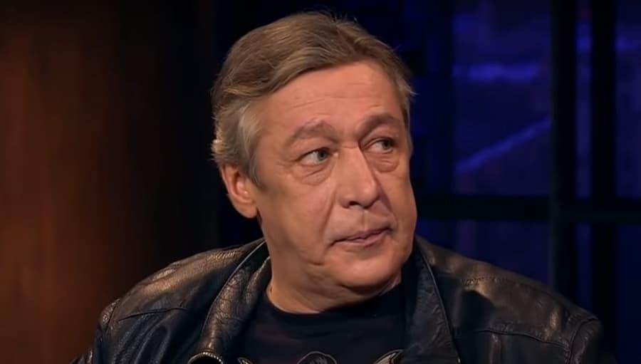 Джигурда принес к зданию суда «доказательства невиновности» Ефремова