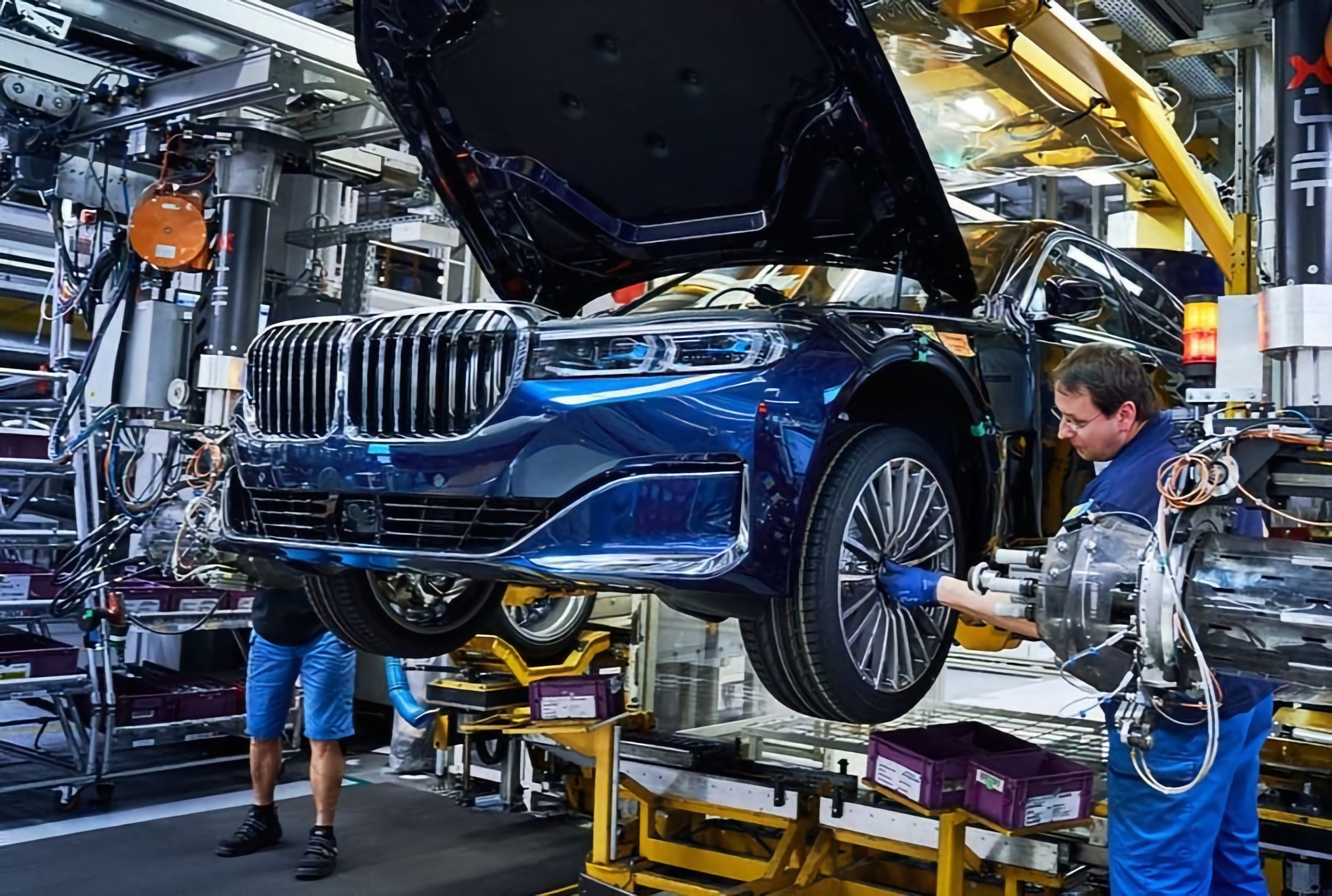 Впервые внедрил сборку автомобилей на конвейере и организовал массовое производство автомобилей купить т5 транспортер на авито в москве