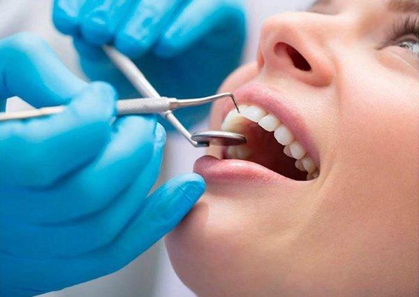 Люди часто принимают рак полости рта за стоматит